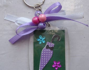 Key ring with white polka dots, flowers, pearls and Ribbon purple umbrella