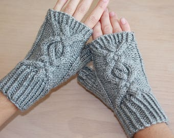 Women's knit fingerless gloves with cable design