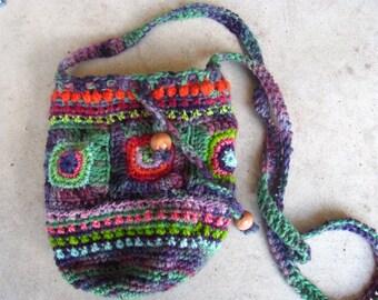 PDF Crochet Pattern Retro Hippie Drawstring Purse // Groovy Crochet Drawstring Bag Tutorial