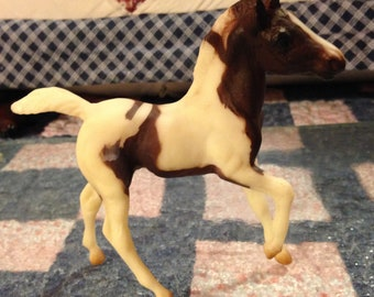 Breyer Model Horse: The Chestnut pinto from the Fun Foals Gift Set