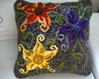 Hooked Flower Pillow