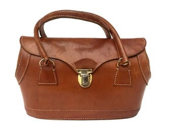FRENCH 1940s natural tan leather HANDBAG // LEATHER genuine french doctor bag style