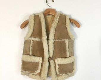 70's vintage distressed mouton leather sherpa lined vest womens size XS