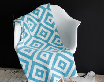 Cotton Knit Throw Blanket - 80% Recycled Cotton Fibers - Aqua and Ivory - Diamond Eye