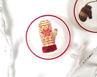 """3"""" Red Mitten Ceramic Plate, Mitten Plate, Mitten Tray, Mitten Mini Plate, Mitten Home Decor"""
