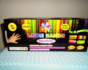 Great Do It Yourself Loom Band Kit With Instructions,600 Extra bands, Loom, Tool and S-Clips. Make Some Fun!!
