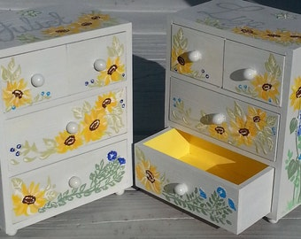 custom hand painted, personalized  jewelry box, any design and color, flower girl gift, bridesmaid gift, first communion gift