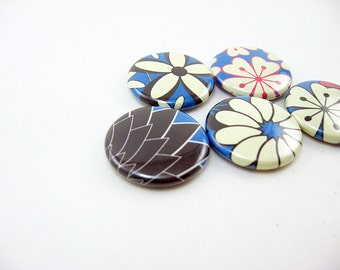 Retro Flower Fridge Magnets, Wine Charms, Pins / Home & Living - Kitchen - Storage Organization blue, cream, pink, brown 1240