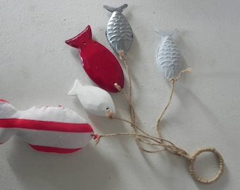 Wall hanging: 5 red fish