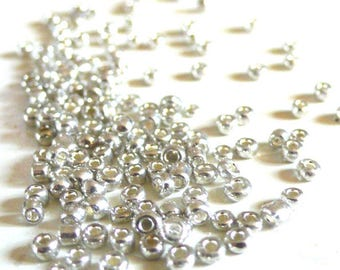 Silver 5g seed beads