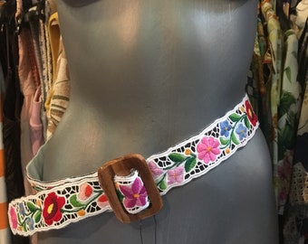 Hungarian kalocsa hand-made embroidered, lace backgrund belt. White or black.