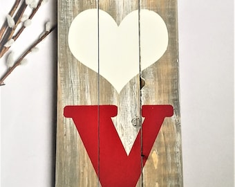 Farmhouse Style LOVE Pallet Sign | Reclaimed Wood Love Sign | Wedding Decor | Rustic Decor | Grey Distressed Decor