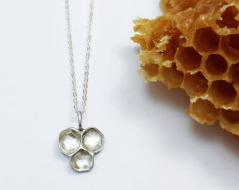 Silver Honeycomb necklace, Beehive necklace, Honeybee necklace, Minimalist Sterling silver necklace, Nature Jewelry