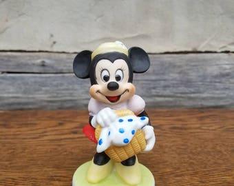 Vintage Minnie Figurine- Ceramic Disney Characters Statue- Minnie Mouse- Walt Disney Productions- Disney Collectibles- Picnic Basket- Decor