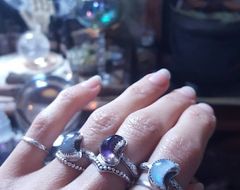 Lunar Magic / Moon-shaped sterling silver rings with Amethyst, Moonstone and Labradorite / Artemisia Craft