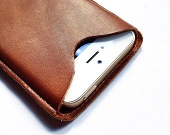 Phone Case / Iphone / Leather Case / Léonny Cha.