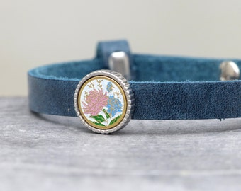 Cloisonne leather bracelet with enameled flowers