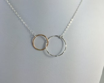 Intertwined Silver and Gold Circle Necklace, Linked Circle Necklace,mother daughter necklace,mother child jewelry,eternity necklace