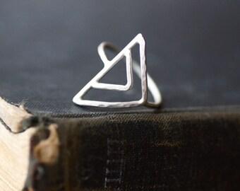 Dreieck Ring - Sterling Silber - Made to Order - gehämmert