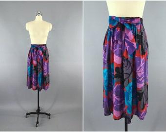 Vintage 1980s Skirt / 80s Midi Skirt / Purple Rose Floral Print Full Skirt  / Novelty Print Skirt / Size Medium M Large L