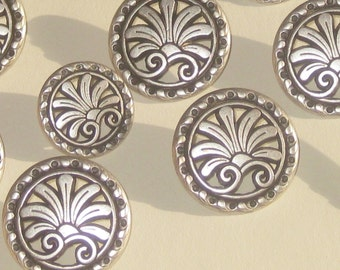 LOVELY Set 11 Vintage New Antiqued SILVER Metal Flower Picture buttons SIZES