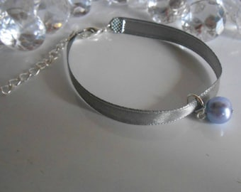 Adult/child gray satin ribbon and lavender pendant wedding bracelet