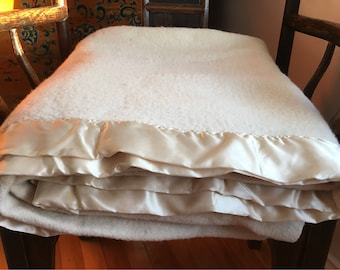 Vintage wool Baycrest blanket - sand / tan - great!