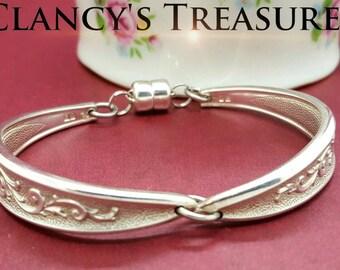 Spoon bracelet, metal Flatware bracelet, Spoon Bracelets, Vintage Jewelry, Gift For her, Delicate Bracelet, Bangle Bracelet