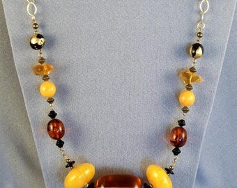 Amber Colored Beaded Necklace // Eye Catching // Boho Chic // Showy // Colorful // Statement Piece
