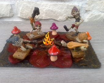 Decorative handmade representing the elves of the forest cake