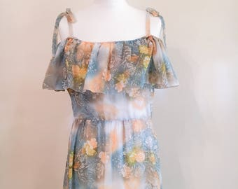 Vintage 1970s floral maxi dress // tiered maxi // bardot dress // Hippy dress