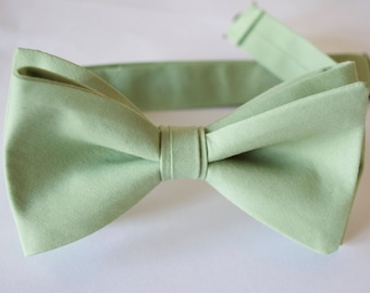 Sage green/ mens bow tie, free style bow tie, green wedding bow tie, sage green bow ties for men, sage green wedding bow ties