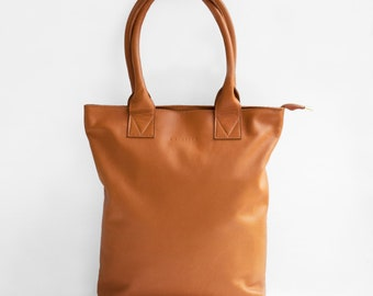 The Essential Tote in Caramel/ Leather Tote Bag / Leather Bag / Brown Tote Bag /Tote Bag / Brown Leather Tote / Cognac Leather Bag