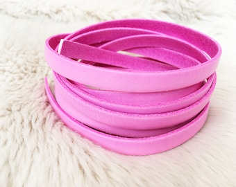 Pastel rose pink flat 10mm leather lace. Leather for jewellery making. UK leather supplier. prpfl-10