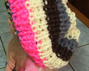 Handmade - Beret with acrylic yarn - one size - color pink, blue, yellow, black