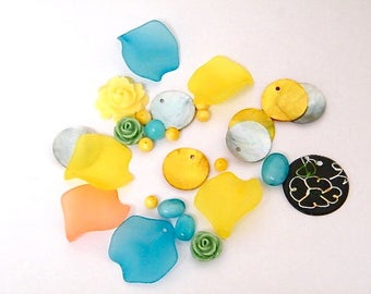 LUCITE BEADS MIX