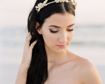 Gold Crown. Bridal Tiara. Bridal Crown. Flower Crown. Bridal Hair Accessory {Mia}