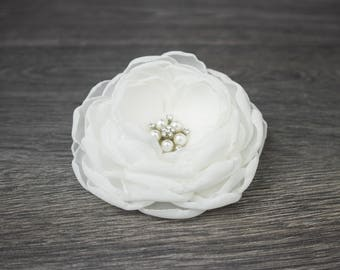Ivory Fascinator - Ivory Hair Flower - Bridal Hair Flower - Wedding Hair Flower - Bridal Accessory - Bridal Hairpiece - Wedding Accessory