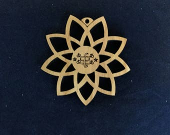 Nine Pointed Star Ornament with Baha'i Ringstone, Wood
