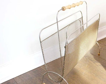 1950s Magazine Stand. Fifties Hollywood Regencey Magazine Rack on Feet with Handle.