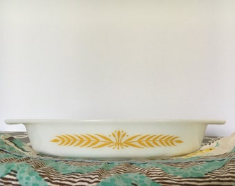 Pyrex Royal Wheat Promotional Divided Dish
