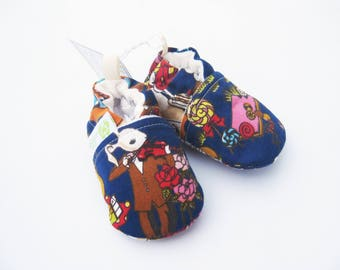 SALE XS Classic White Rabbit and Alice  All Fabric Soft Sole Baby Shoes / Ready to Ship / Babies