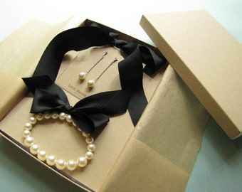 Classic Bridesmaid Jewelry - Necklace, Bracelet and Earrings, Made to Order - Your choice of pearl and ribbon color.