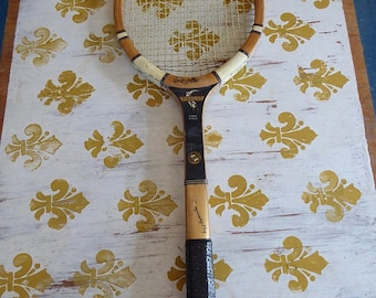 Vintage RAWLINGS Finalist Wood Tennis Racquet  4 5/8  Leather Grip Gut