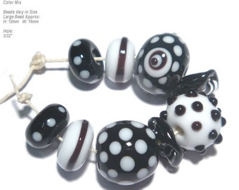 COLLECTION 93 Lampwork Bead Set Handmade - Black and  White  - Fresh & Cool -  Organic Design