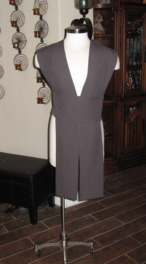 Gray poplin fabric tabards with sash in 10 sizes