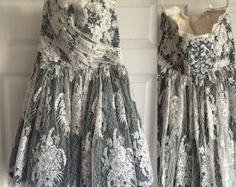 EMANUEL UNGARO Haute Couture Lace Dress Size: 6