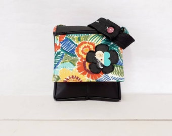 Colored by Sacs AS patterned black leather purse