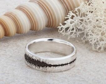 Laser Engraved Sound Wave Ring