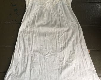 Vintage Edwardian white cotton and lace step in